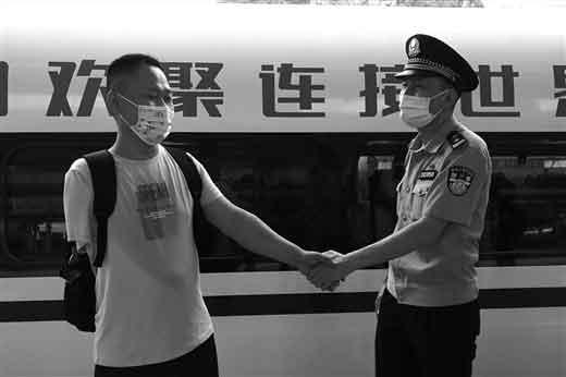 民警为流浪14年的河南男子找到家人