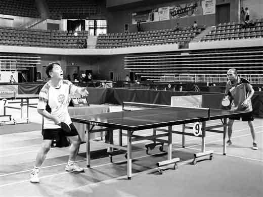 2020年柳州市乒乓球锦标赛开打